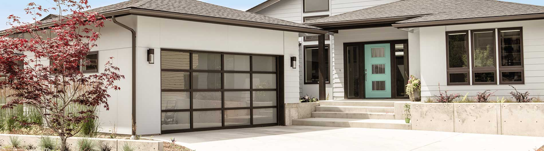 What are the advantages and disadvantages of the material of aluminium alloy glass garage door?