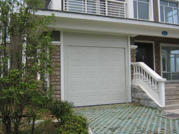 How to maintenance of sectional garage doors?